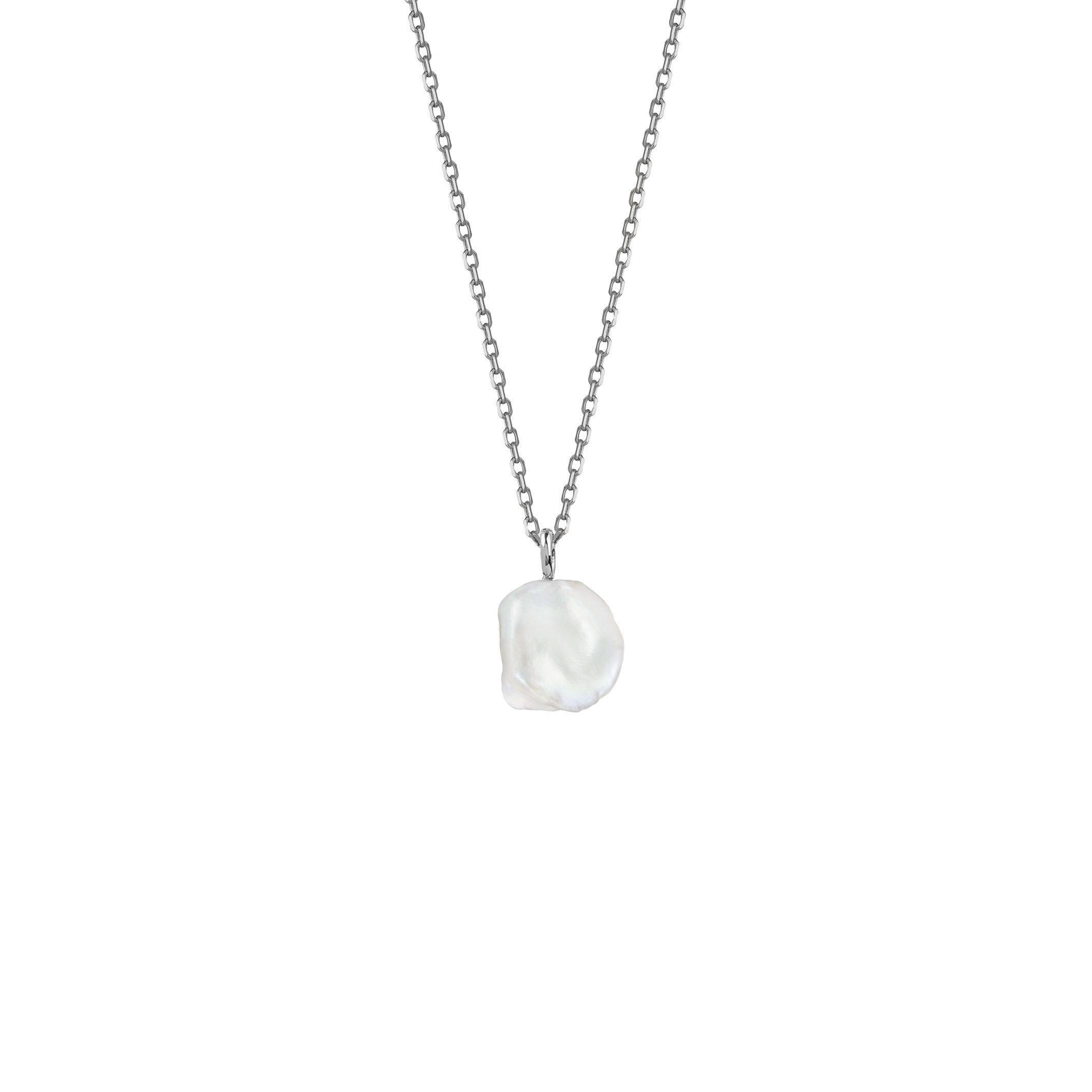 Medium Pearl Necklace / silver